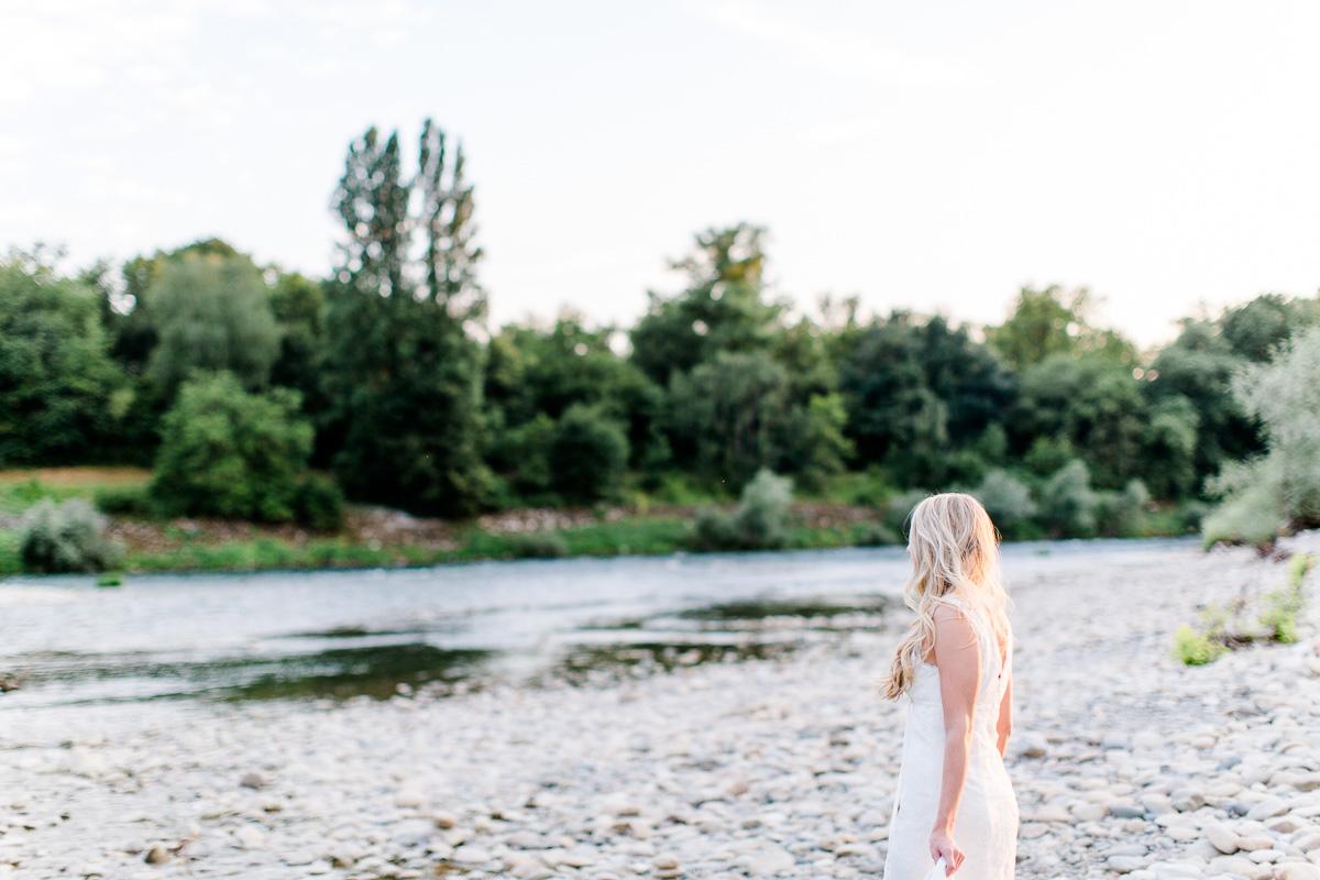 Brautkleidshooting-am-Rhein-Fotograf-Nathalie-Sobriel-6